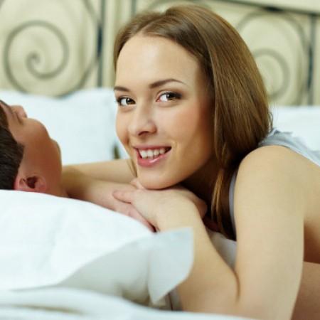 Si estás buscando un hijo, estas posturas pueden ayudar a hacerlo más fácil.