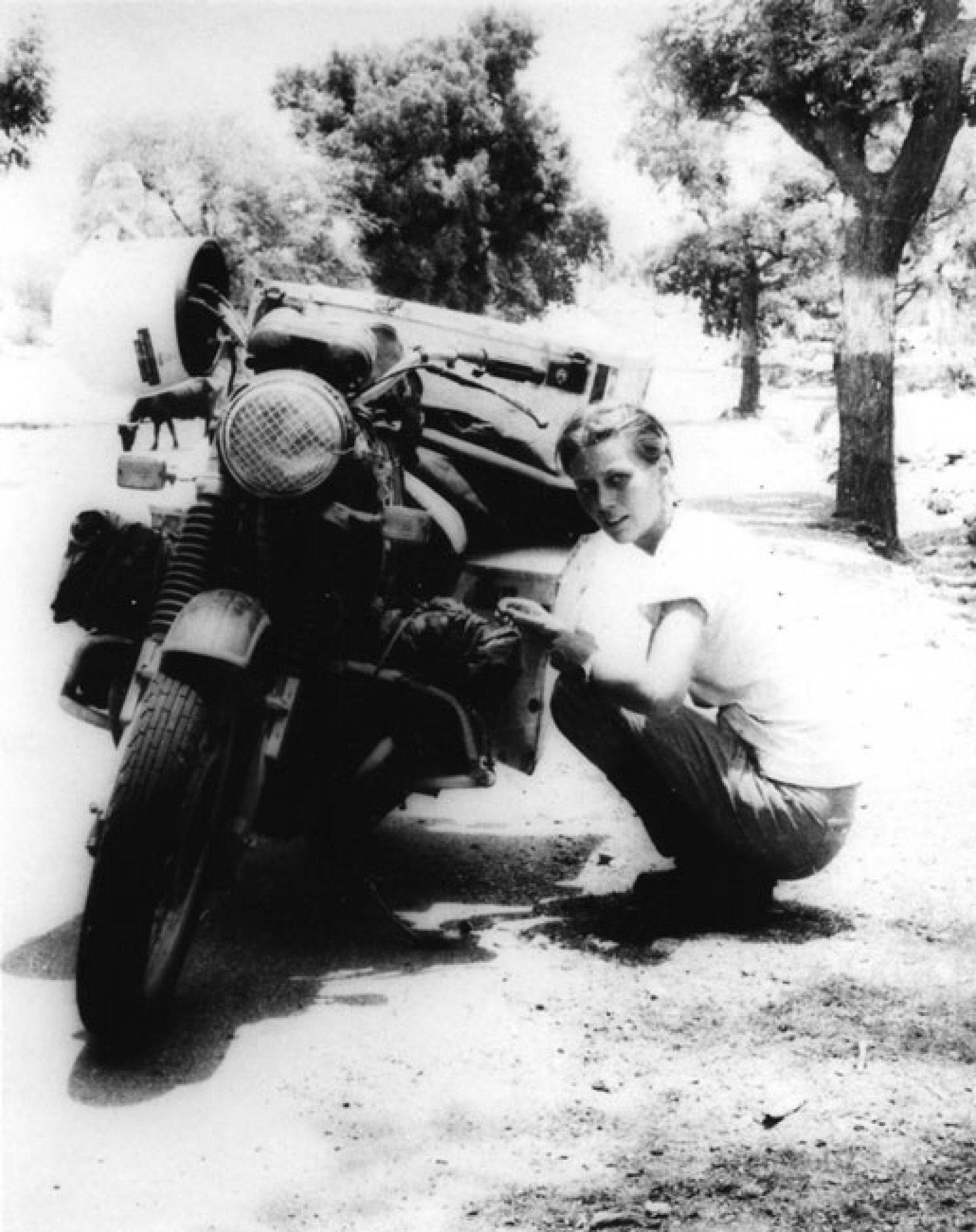 Elspeth Beard recorrió el mundo en moto durante 3 años.