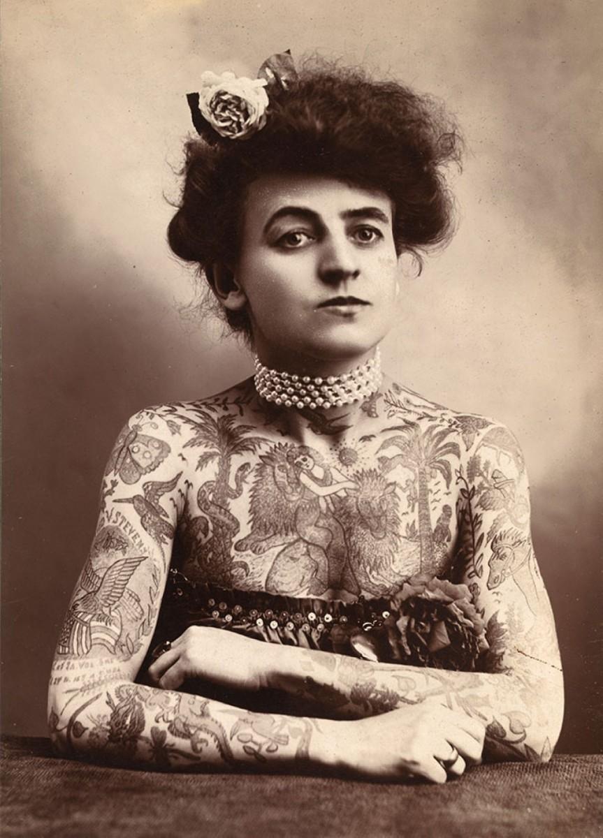 Maud Wagner fue una de las pioneras del tatuaje profesional.