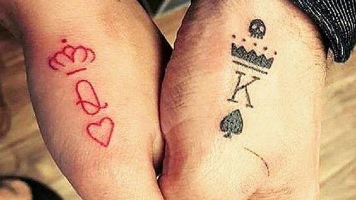 Otro símbolo ideal para parejas que aman los tattoos.