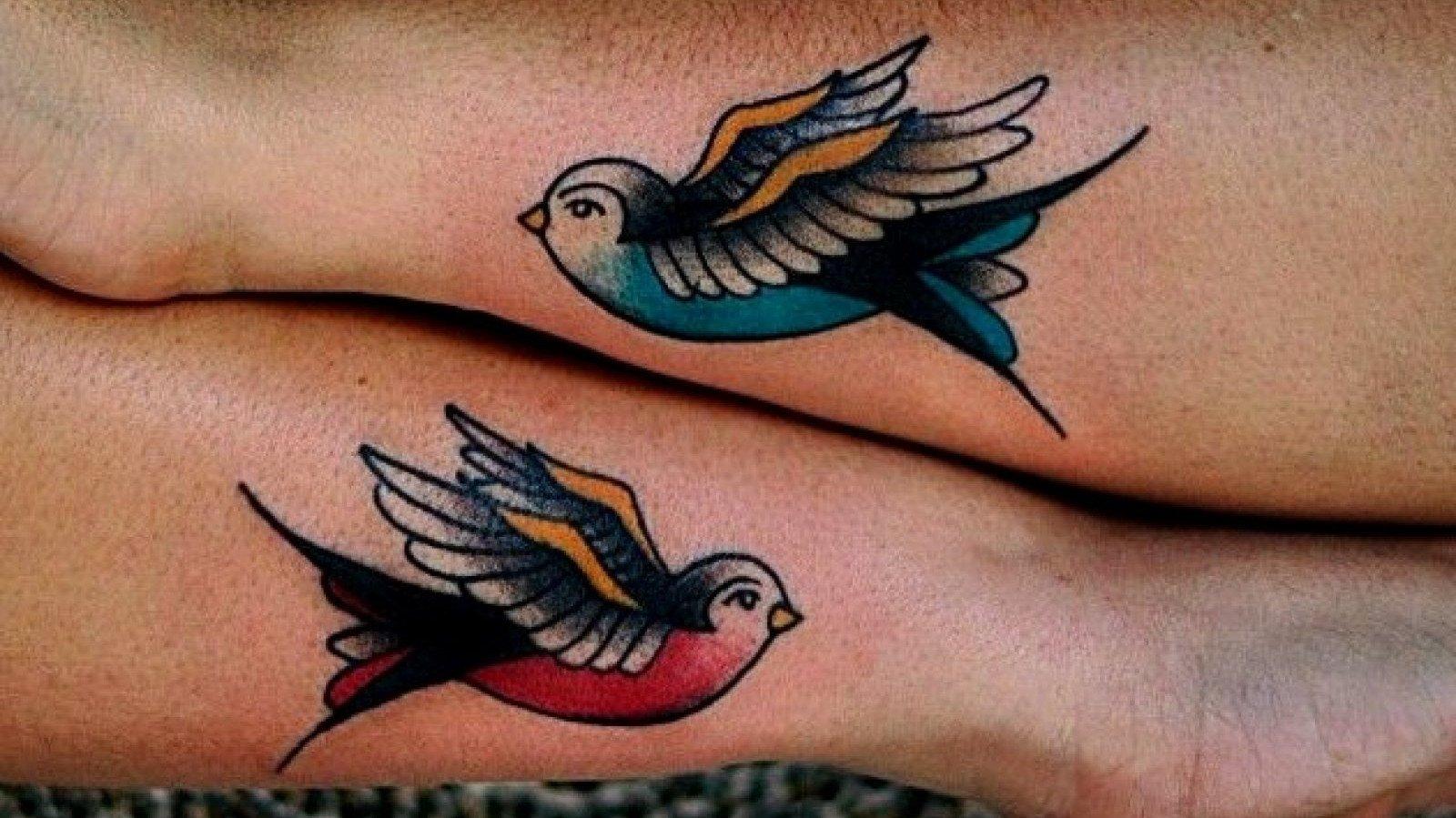 Tattoo Old School de unas golondrinas.