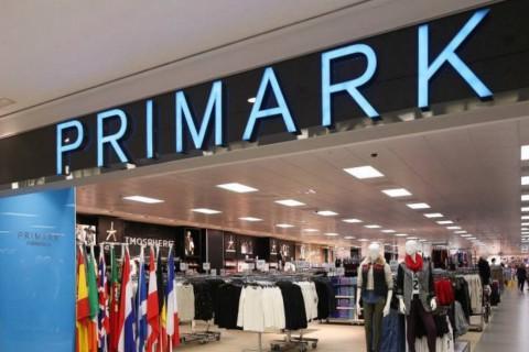 Primark anuncia la retirada de miles de cojines en todas sus tiendas por riesgo de incendio
