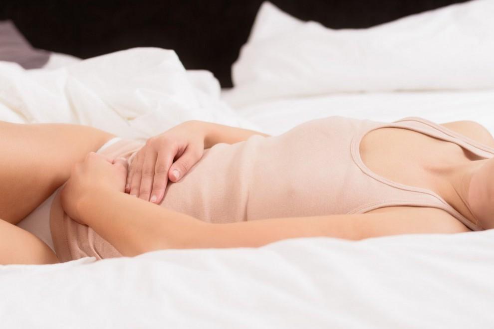 La falta de lubricación vaginal produce dificultades en las relaciones sexuales.