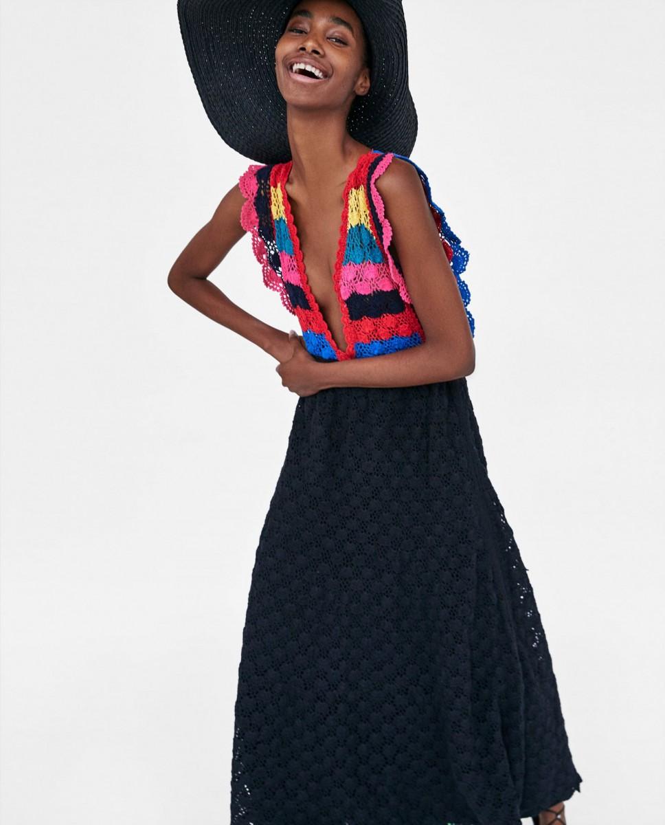 Vestido crochet edición limitada de Zara, por 49,95 euros.