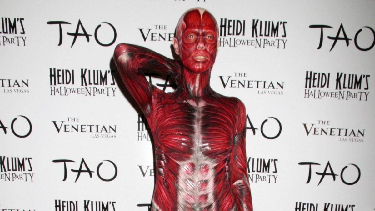 Heidi Klum como cadáver sin piel