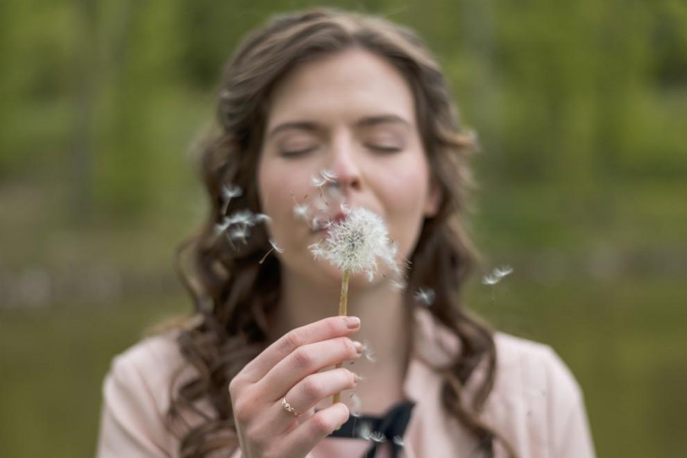 Los síntomas de la alergia al polen son picor en la nariz, congestión nasal e irritación en los ojos.