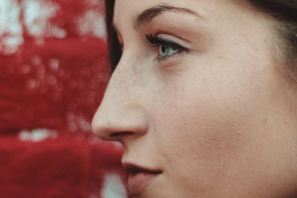 La nariz nos aporta un toque distintivo al rostro.