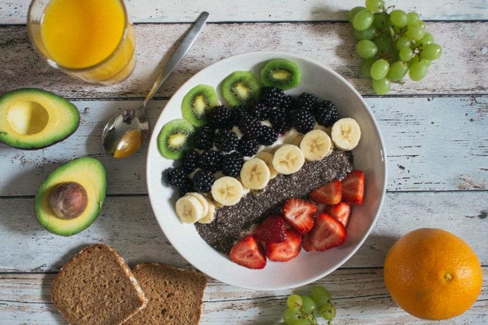 Estos alimentos nos ayudan a reducir el exceso de grasa que se elimina por la piel.