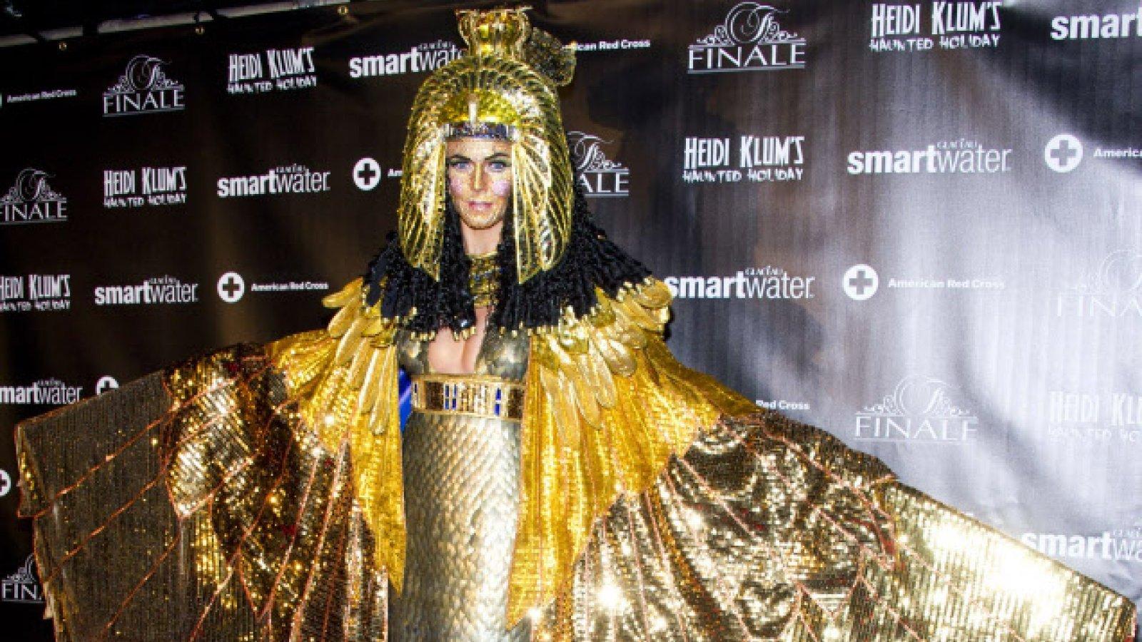 Heidi Klum como Cleopatra.
