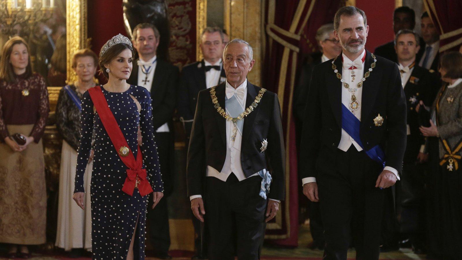 Los reyes de España junto al presidente de la República Portuguesa, Marcelo Rebelo de Sousa