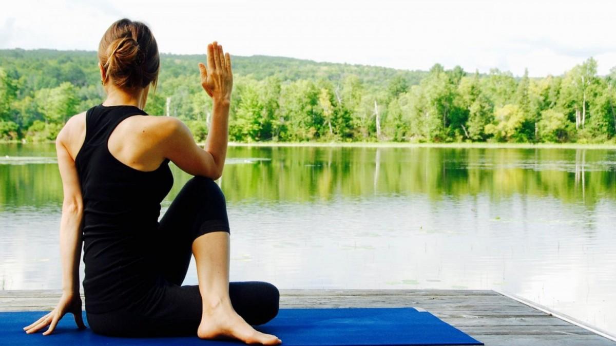 Algunos tipos de yoga se centran más en la meditación.