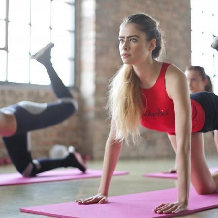 Sigue esta rutina de ejercicios para conseguir eliminar la grasa de la barriga.
