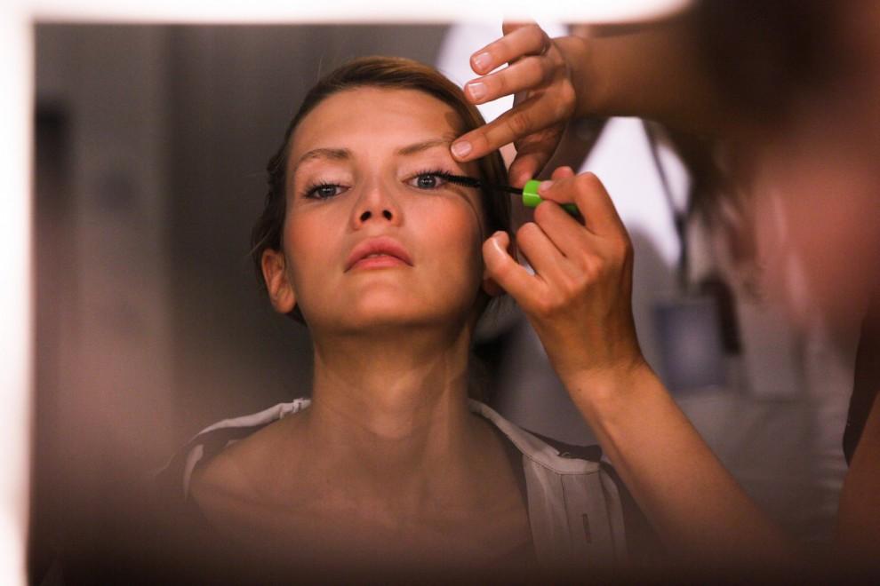 Hay una serie de pasos a seguir para lograr un maquillaje de ojos perfecto.