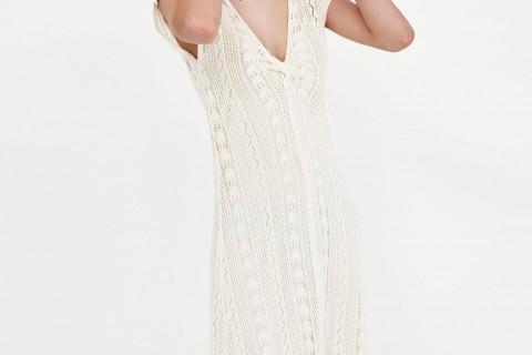 Vestido de 'crochet' blanco de Zara, por 29,95 euros