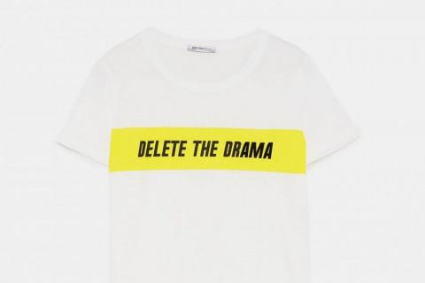 Camiseta texto 'Delete the drama' de Zara, por 7,95 euros.