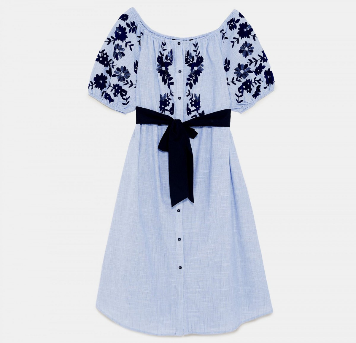 Vestido estampado flocado de Zara, por 39,95 euros