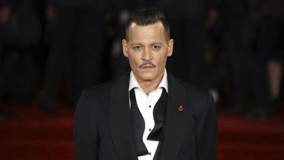 Johnny Depp en la presentación de su última película
