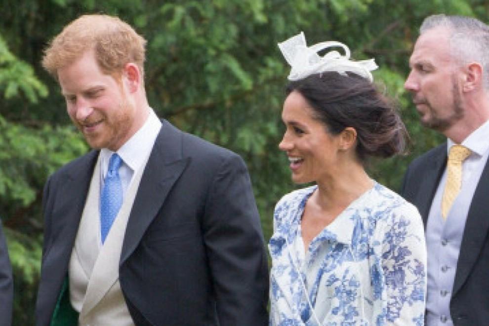 Los duques de Sussex llegando a la boda de Celia McCorquodale