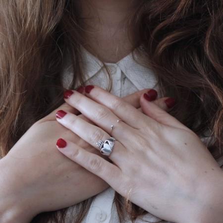 Las personas altamente sensibles tienen fuerte emocionalidad y empatía.