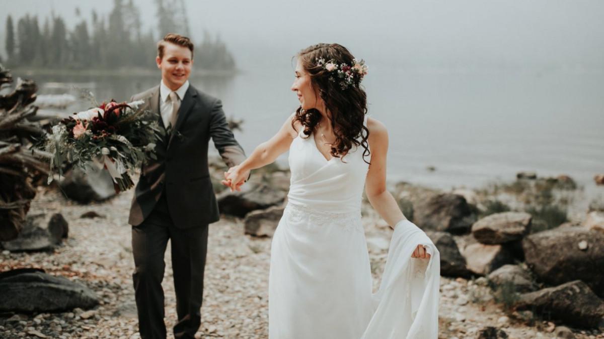 Felicitar a los novios en su boda es una muestra de amistad y cariño.