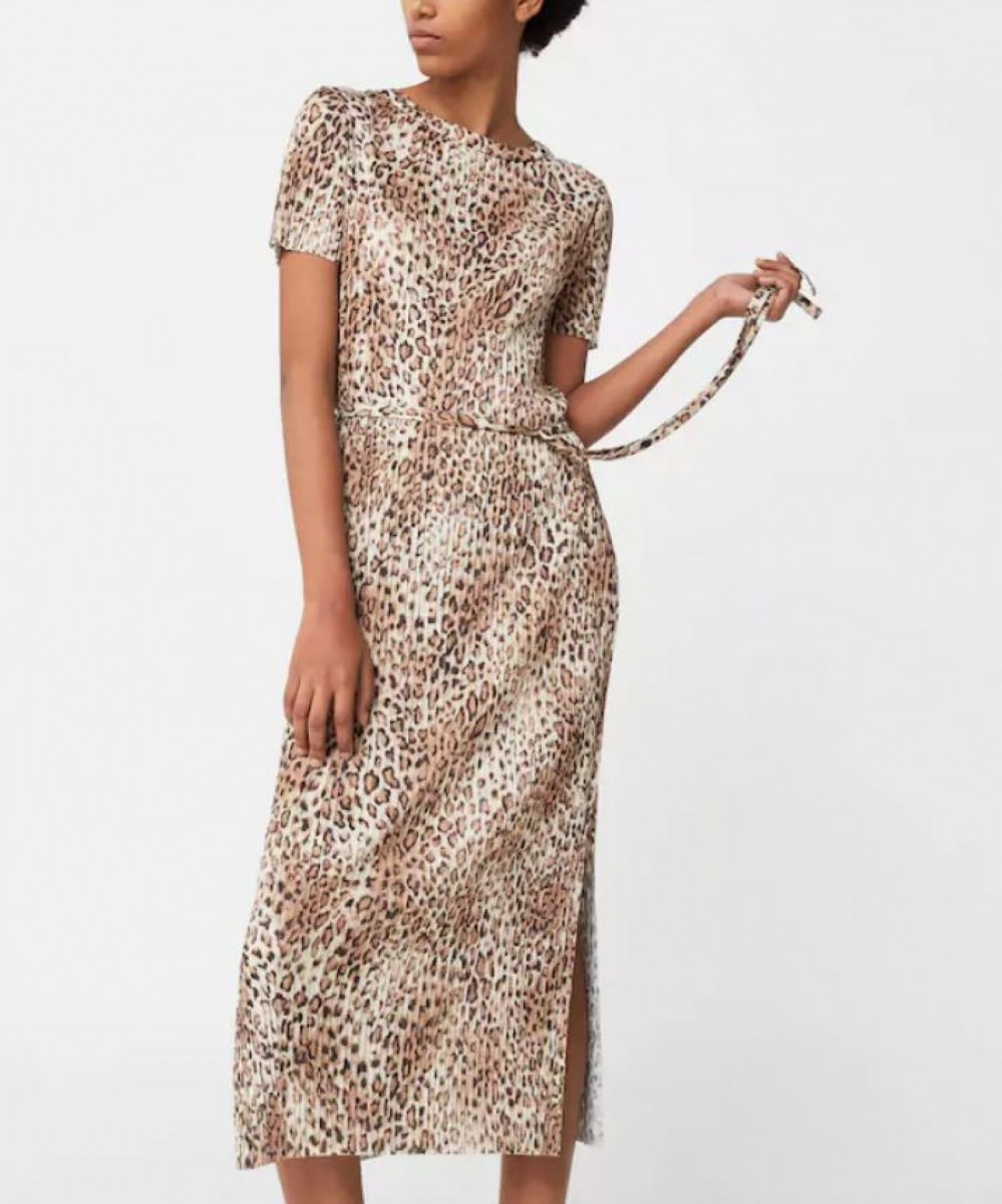 Vestido plisado estampado leopardo de Mango Outlet por 5 euros (antes 39,99)