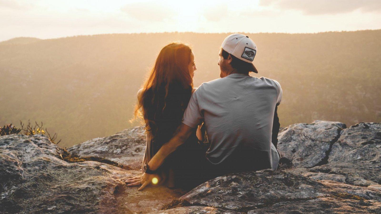 Si ve un futuro contigo y te lo demuestra, te quiere.