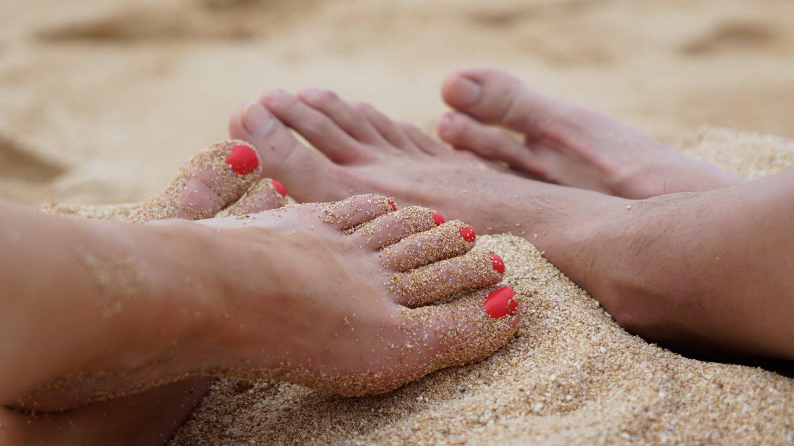 Para lucir unos pies bonitos en verano debes cuidarlos a diario.