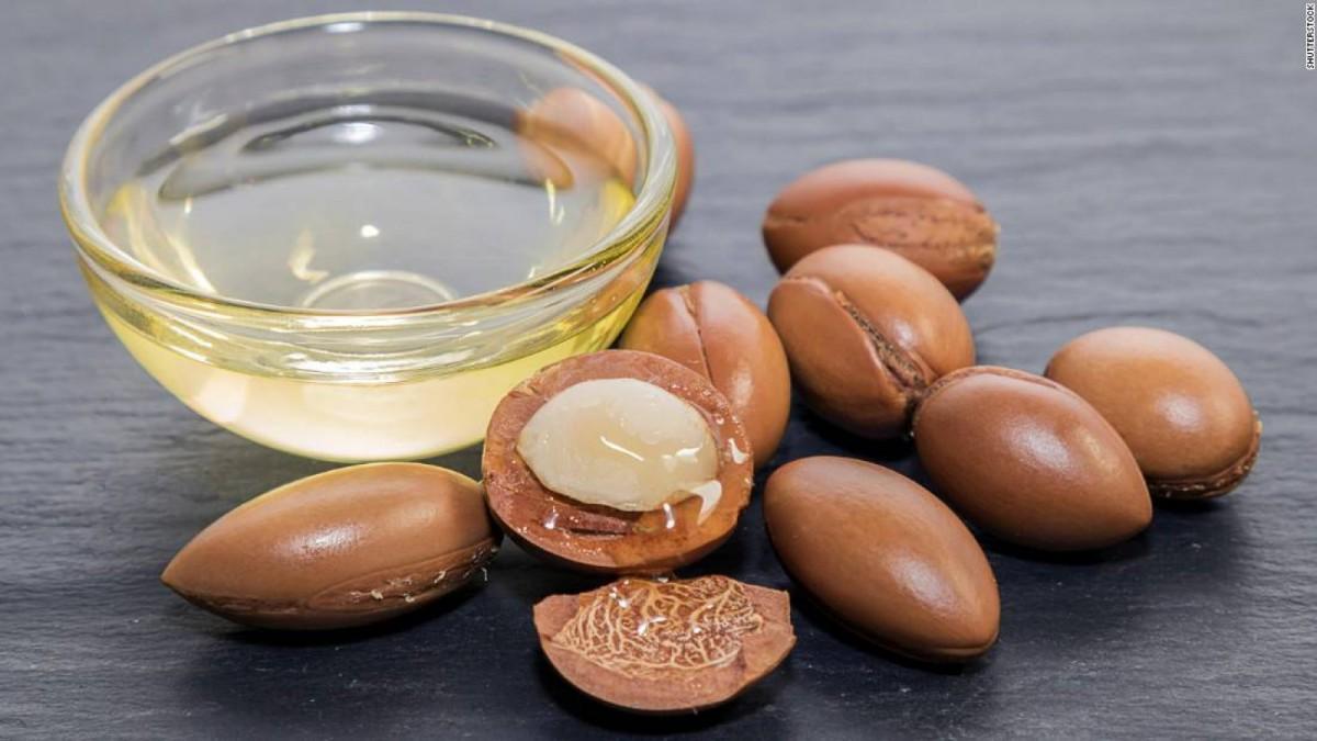 El aceite de argán se extrae de estas bayas, naturales de Marruecos.