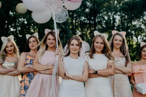 Es una ocasión para reunirse con las amigas de la novia y pasar un rato divertido.