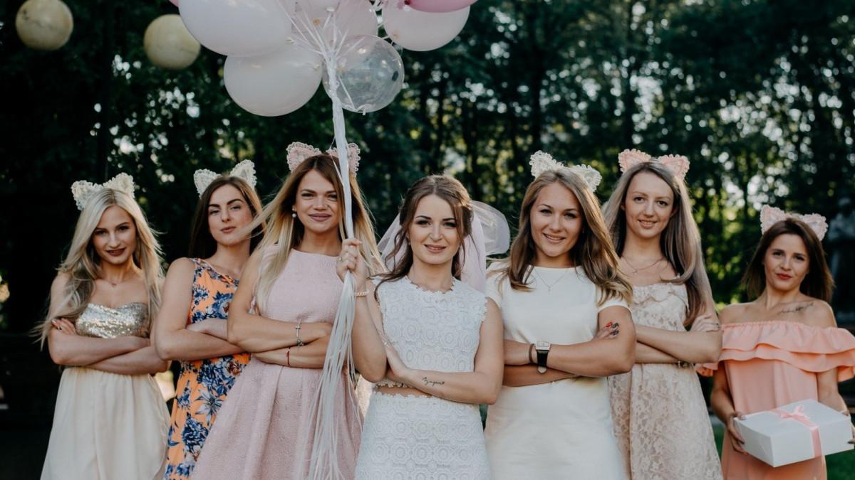 786937e17c Es una ocasión para reunirse con las amigas de la novia y pasar un rato  divertido
