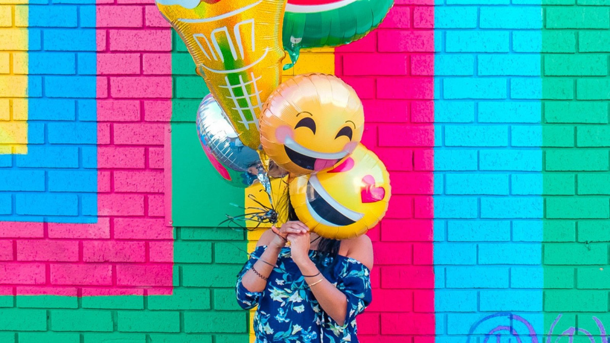 Los pensamientos positivos nos ayudan a mantener una actitud optimista.
