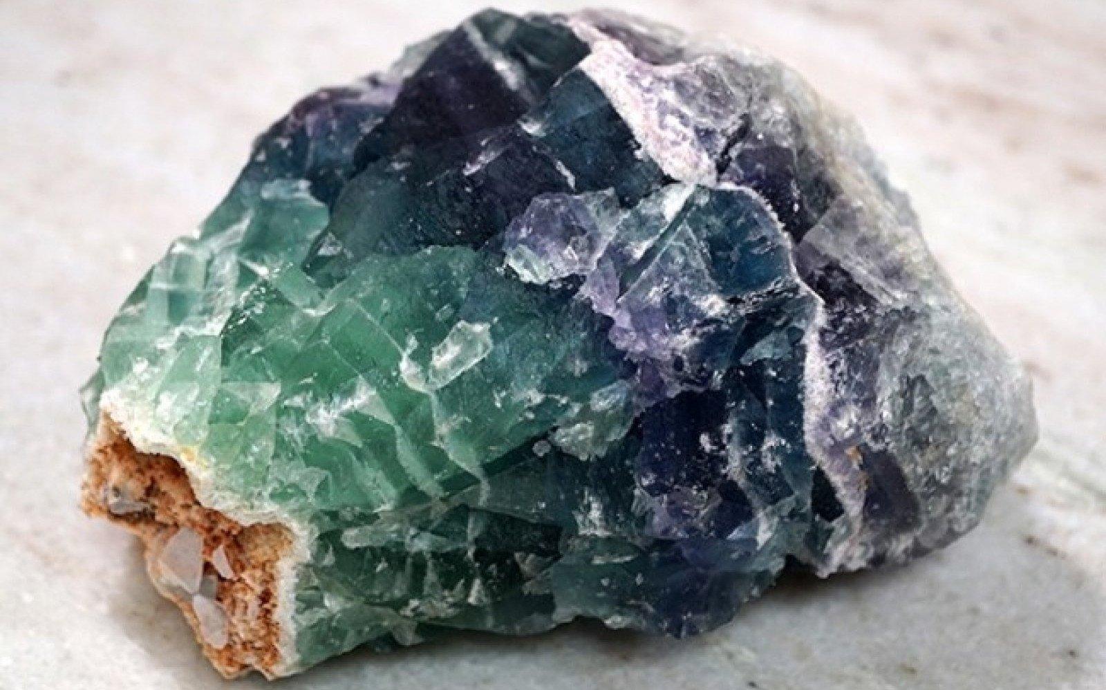 La fluorita presenta varios colores.