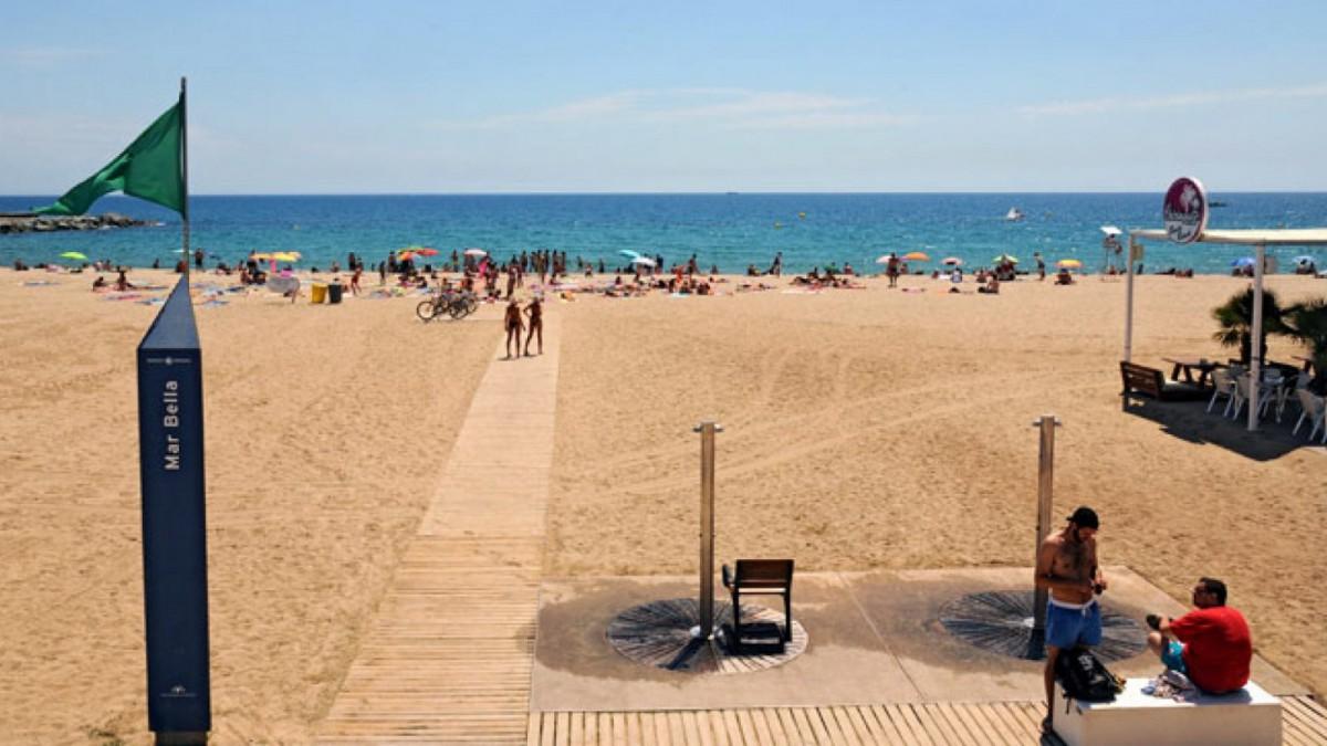 Una playa nudista para los más cosmopolitas.