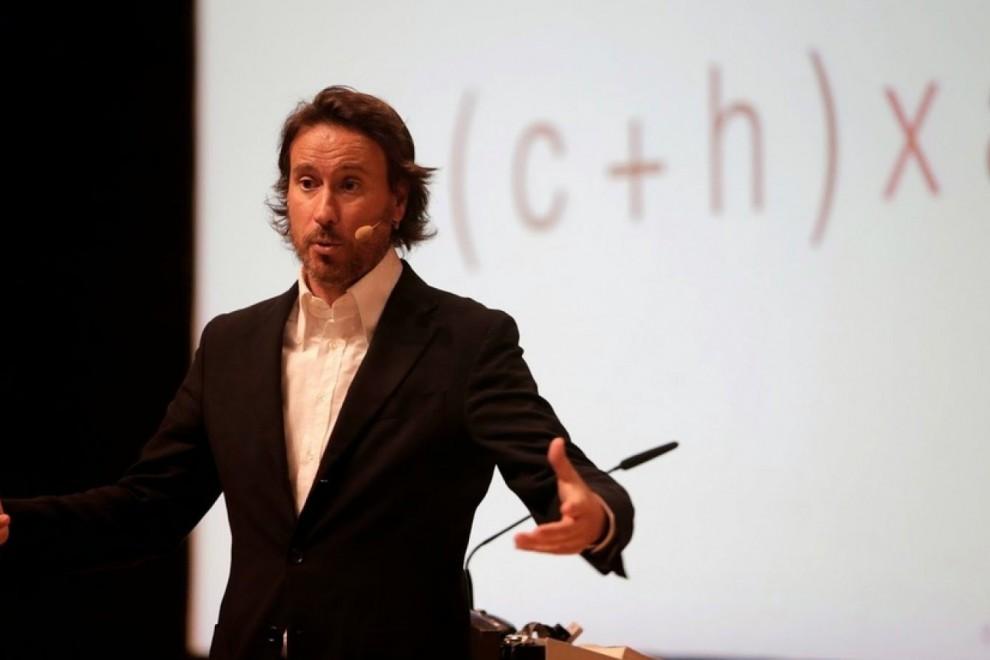 Victor Küppers en una de sus charlas motivacionales.