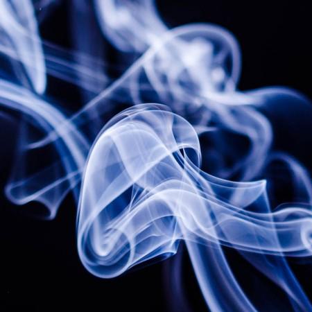 ¿Es menos perjudicial fumar tabaco de liar que el manufacturado?