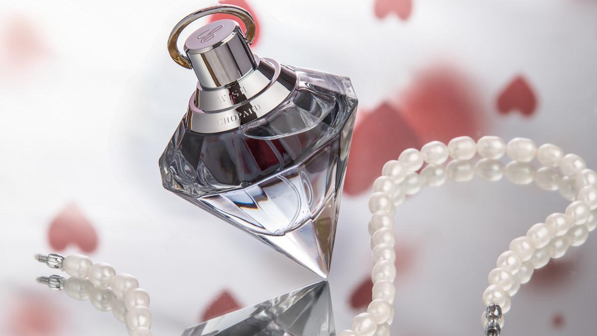 Los 10 mejores perfumes para mujer (los más vendidos)