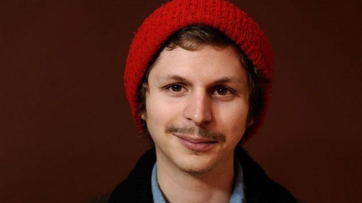 Más hombres de los que crees lucen bigotillo a lo Michael Cera