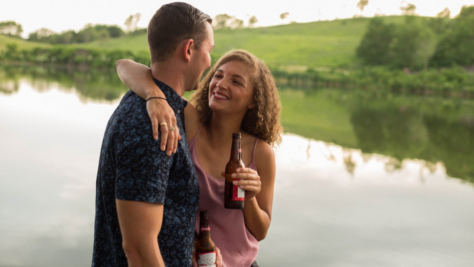 Para muchas personas, retomar la relación de amistad con su ex es síntoma de madurez.