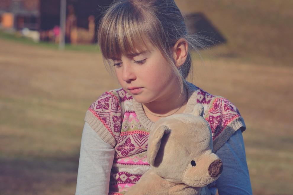 Cómo ayudar a un niño a superar una muerte
