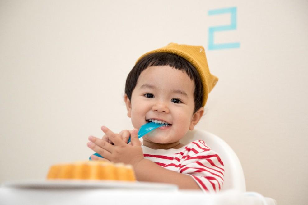 Cuándo dejar de alimentar con potitos a tu bebé