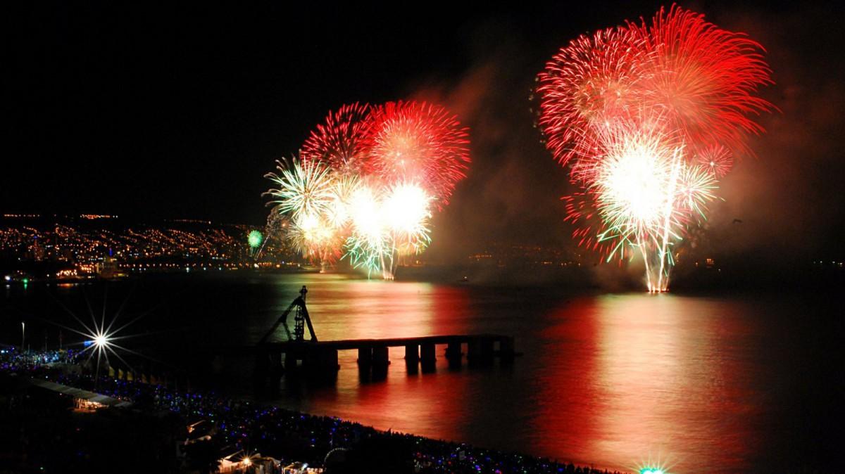 La celebración del fin de año en Valparaíso, Chile, es uno de los más multitudinarios.