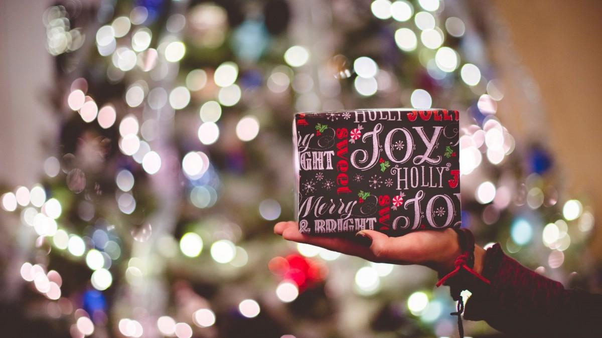 b1dc0a527 El verdadero regalo para la Navidad debe ser la felicidad.