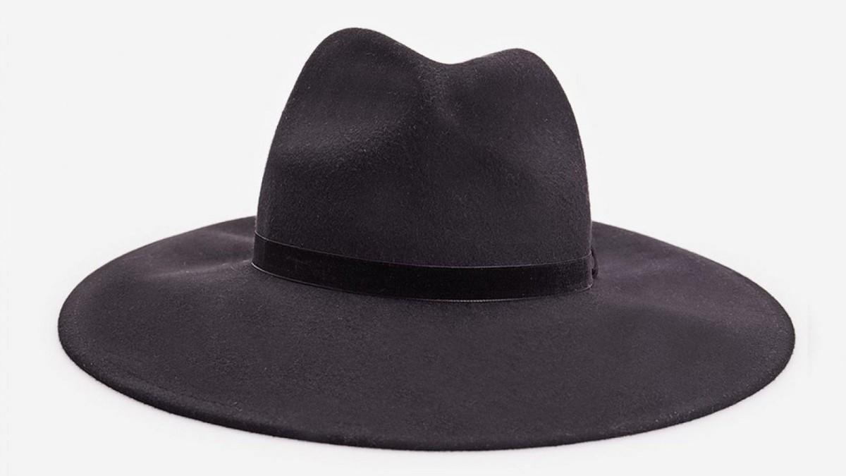 Sombrero negro con detalle de terciopelo de Stradivarius