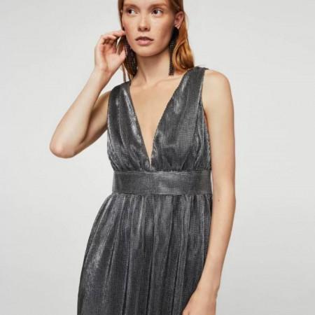Vestido plisado metalizado de Mango por 29,99 euros