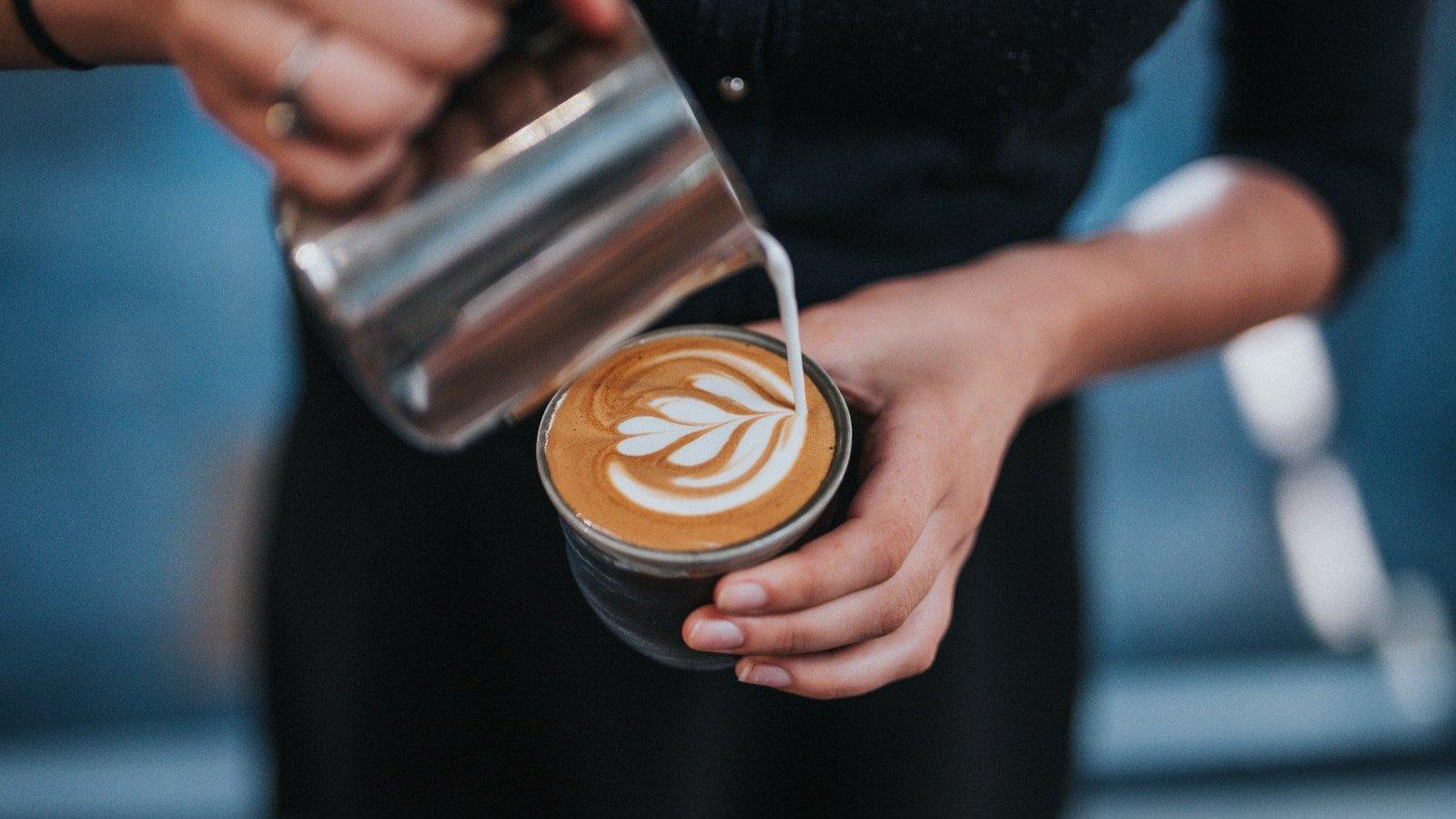 El café es un activador que acelera nuestro metabolismo.