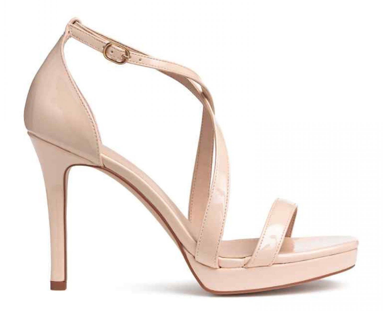 Las sandalias 'nude' de tiras cruzadas de H&M, por 29,99 euros