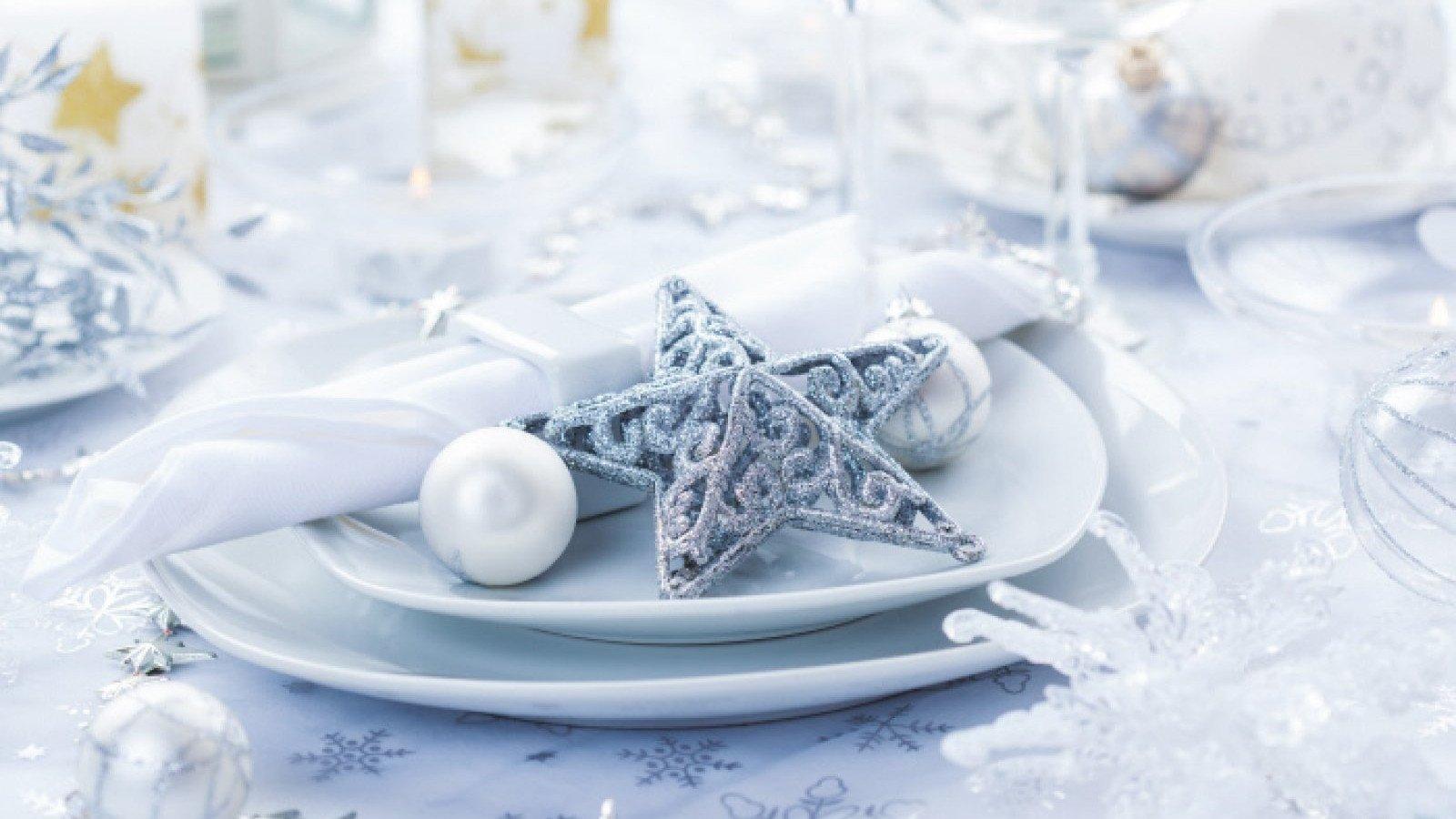 Los blancos y plateados siempre son una de las apuestas más limpias y elegantes