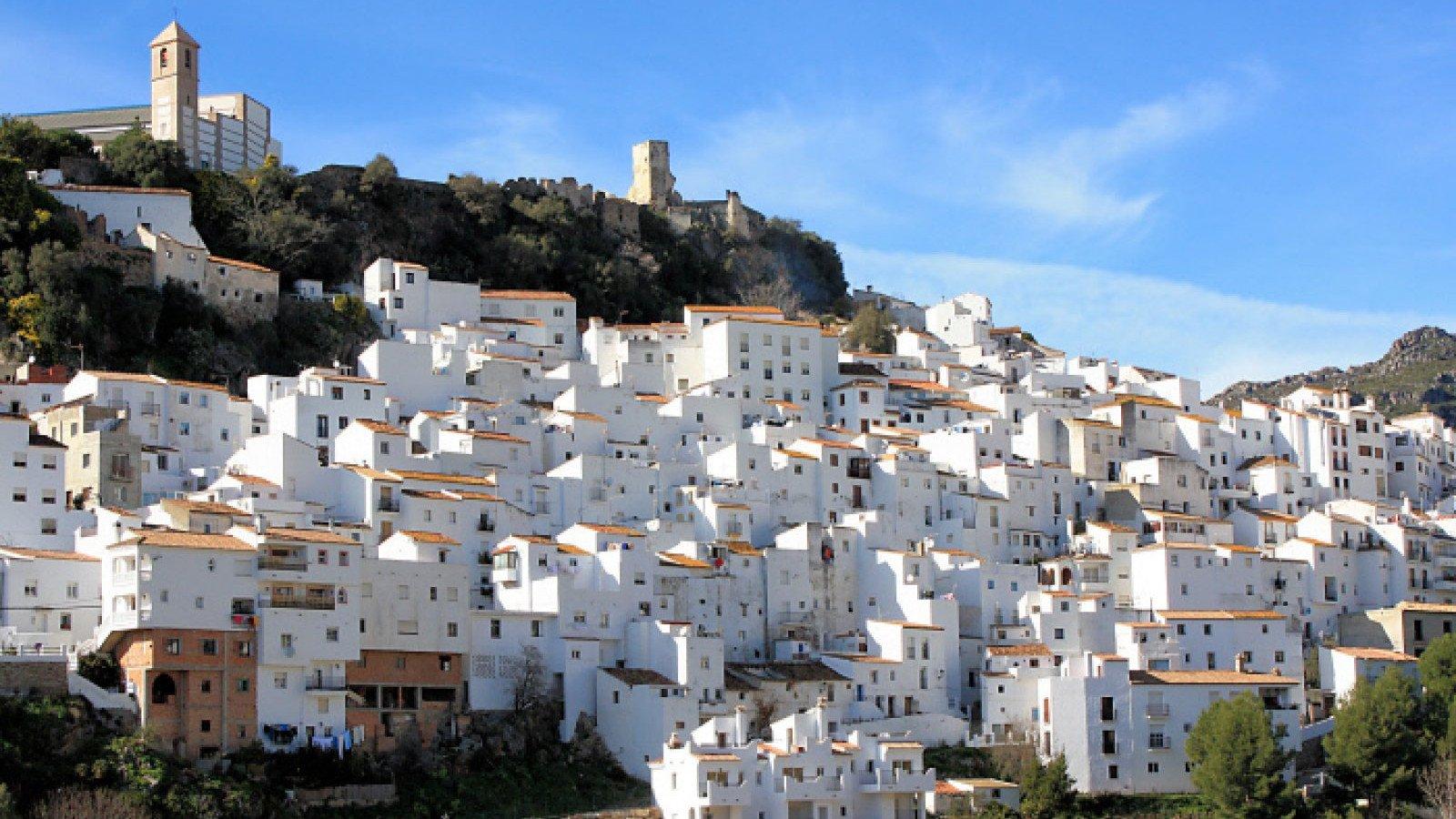 La hermosa estampa que presenta la localidad de Casares.