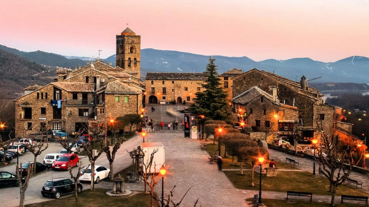La tranquila localidad de Aínsa, en Huesca.