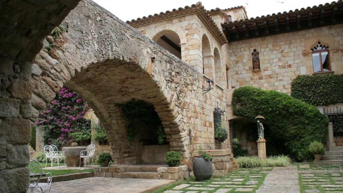 Villa medieval en Pals, Gerona.